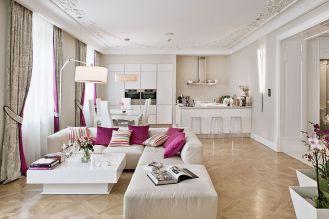 Mieszkanie jest jasne, świetliste, minimalistyczne, ale bez niepotrzebnej ascezy i przesadnej liczby gadżetów.