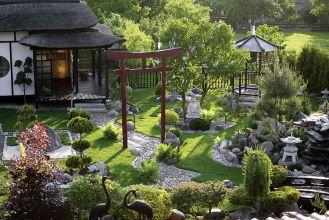 Ogród japoński - pomysł nie jest dla narwańców. Potrzeba mnóstwo cierpliwości, by rzecz doprowadzić do końca.