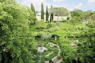 aranżacja ogrodu z pergolą