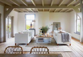 Jeśli ktoś nie potrafi przekonać się do kanap i sof kolorowych i wzorzystych, zawsze modna jest i będzie klasyczna