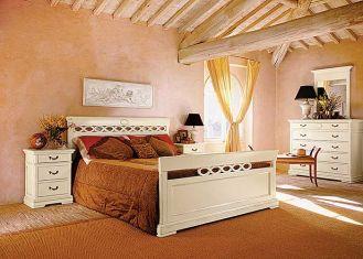 Łóżko Glamour z drewna tulipanowca. Cena - około 6200 zł. TONIN CASA