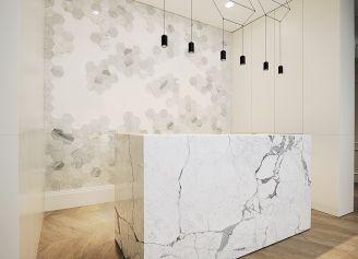 Kamień we wnętrzu: ekologia, design i wytrzymałość