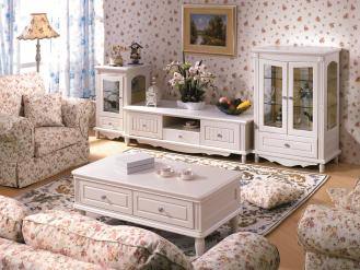 Dla miłośników stylu shabby chic oraz romantycznych wnętrz: ława księżniczka 820 od Bemondi.