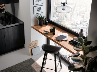 domowe biuro w kuchni