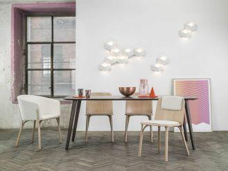 Zakręcone krzesła: gięte, modne i wygodne