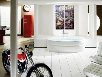 Łazienka otwarta na salon. Wannę akrylową z kolekcji Veranda zaprojektowała grupa Schmidt Lackner. Cena
