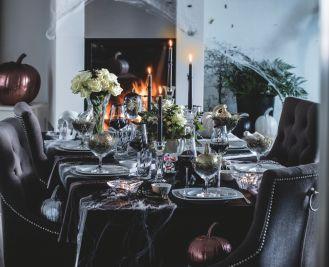 Halloween – pomysł na dekorację stołu na przyjęcie