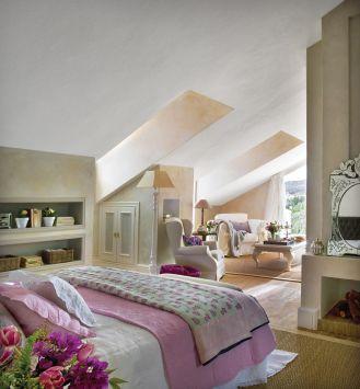 słoneczna sypialnia na poddaszu