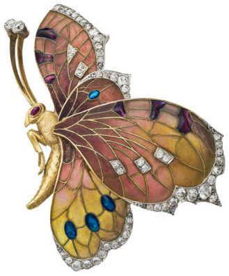W kształcie motyla. Złota broszka wysadzana diamentami i rubinami, Wiedeń, 1910 r., Rozert Fischmeister,