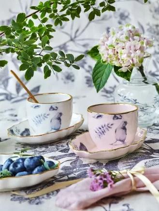 porcelanowe filiżanki do kawy i herbaty