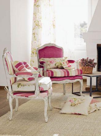 Rose Hill - to tkaniny gładkie, w kwiaty, pasy, wszystkie z domieszką różu. JVD