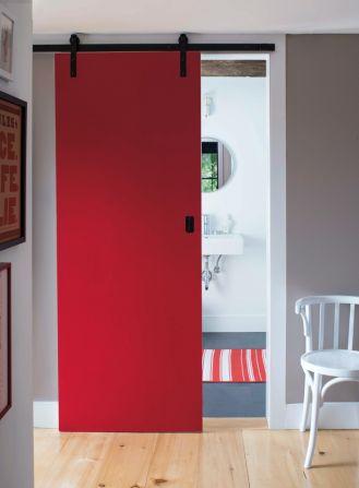 czerwone drzwi wewnętrzne