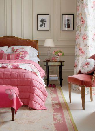 sypialnia biała różowa