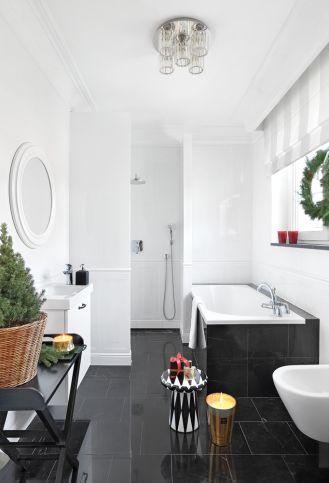 biało czarna łazienka styl nowojorski