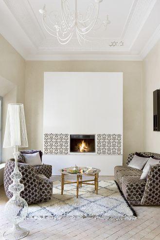 Rustyklane dodatki pasują do eleganckich salonów i stylowych wnętrz.