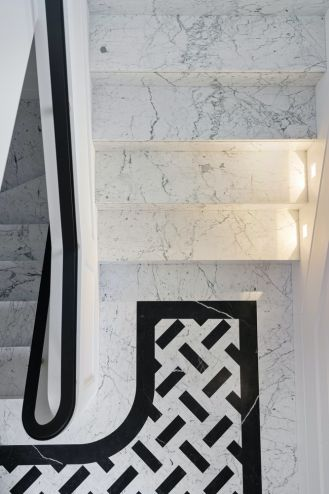 styl modernistyczny klatka schodowa