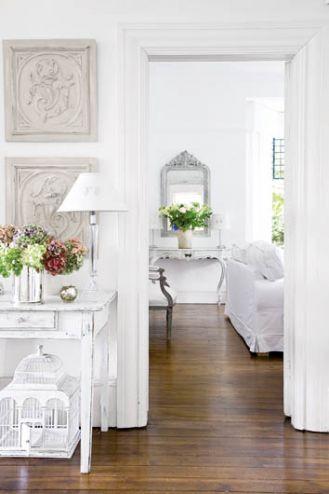 Biały apartament jak z filmu