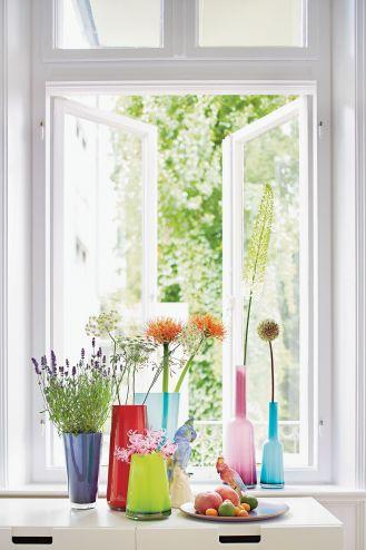 szklane dekoracje w oknie