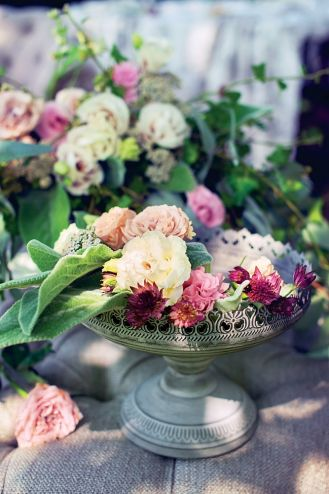 dekoracyjna patera na kwiaty