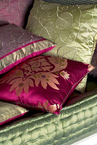 Jedwabne poduszki z kolekcji Marney. Angielski dom