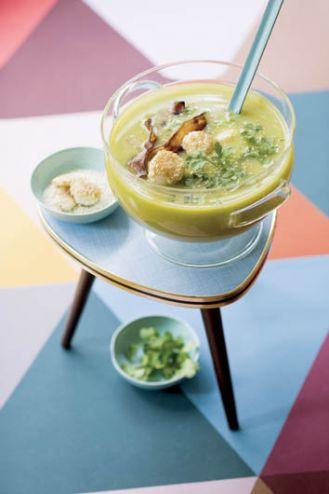 Zupa jarzynowa z małżami św. Jakuba. Czas na słoneczne zupy