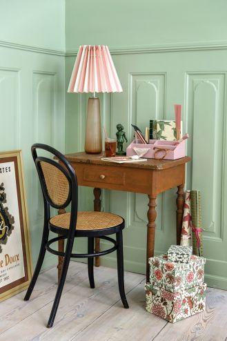 stolik zamiast biurka