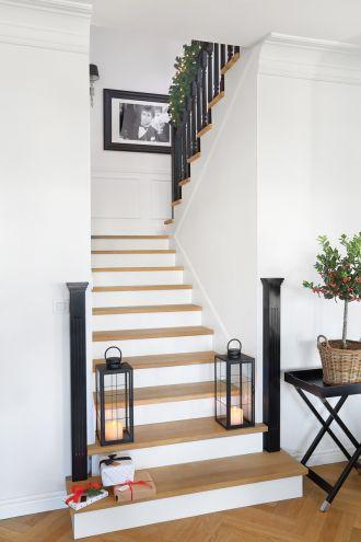 dekoracje schodów na boże narodzenie