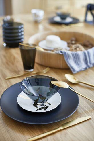 kuchnia w drewnie i czerni