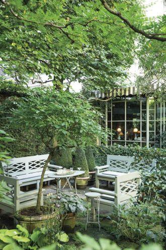 ogród przed domem altana 1