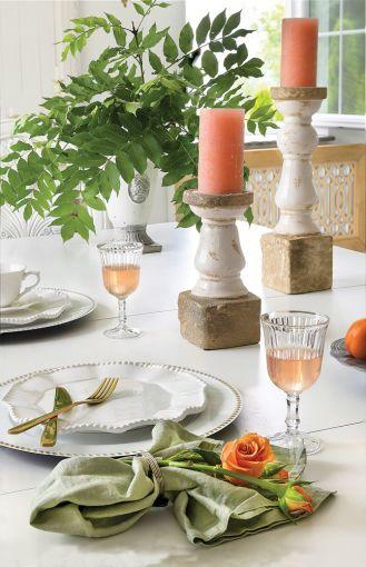 białe dekoracje stołu