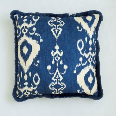 niebieska poduszka w stylu hampton