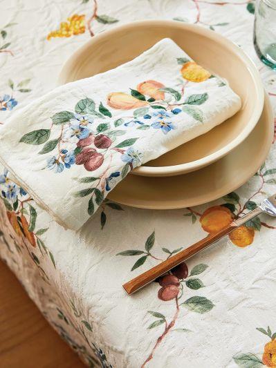 obrus i serwetki na letni stół