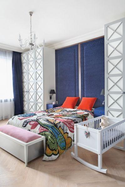 łóżko z oryginalnym zagłówkiem