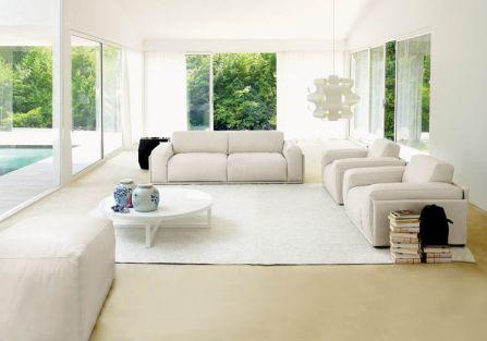 nowoczesny salon w bieli