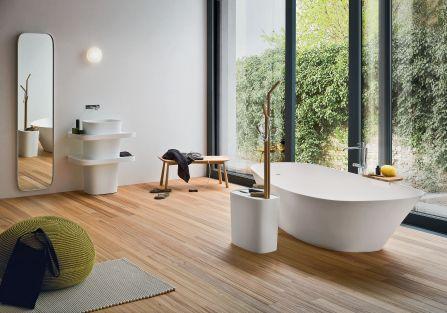 Drewno i rośliny w łazience