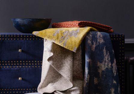 MIlion wzorów i kolorów, czyli tkaniny i tapety angielskiej marki Clarke Clarke