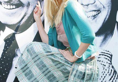 Claudia Schiffer w pastelach. Trendy z wybiegu