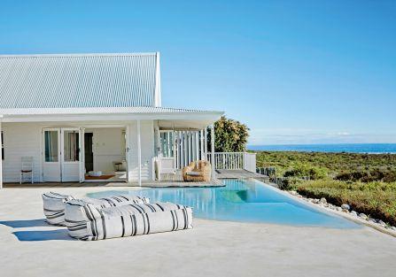Dzikie plaże, szum spotykających się w pobliżu oceanów Atlantyckiego i Indyjskiego - zobaczcie nowoczesny dom