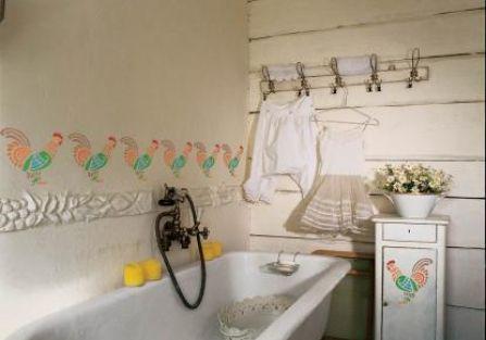Fresk w łazience. Wiosenne koguciki