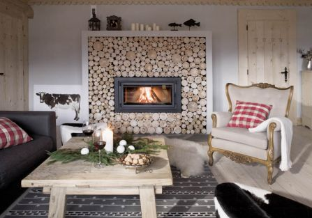 Kominek w salonie zaprojektowała Marta, a zrobili zduni z ekipy Andrzeja Dziadkowca.
