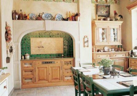 Kuchnia ozdobiona freskami. Bażant udomowiony