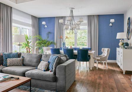 niebieski we wnętrzu - aranżacja salonu