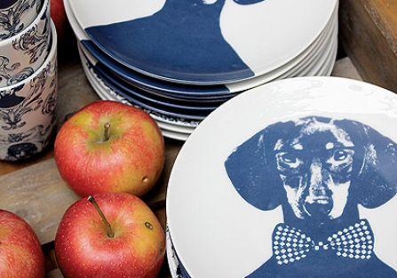 Porcelana z serii Tillsammans każdy pies ma swoje imię.