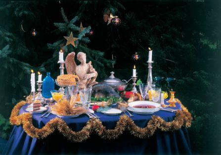 Są takie potrawy, których nie może zabraknąć na wigilijnym stole - barszcz z uszkami, śledzik...
