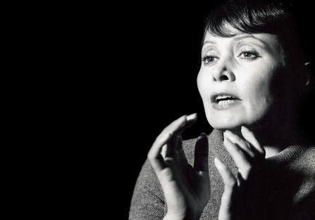 Iga Cembrzyńska, aktorka, piosenkarka i producentka filmowa