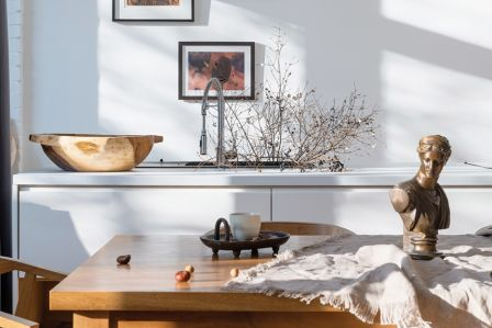 styl nowoczesny i antyki w mieszkaniu