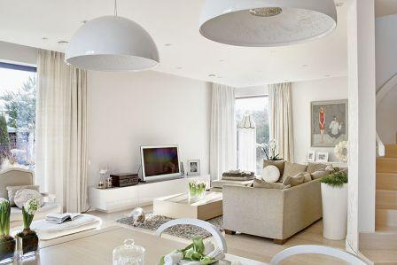 Nad stołem wiszą lampy Skygarden Marcela - idealny przykład połączenia nowoczesnego wzornictwa z klasycznymi kwiatowymi