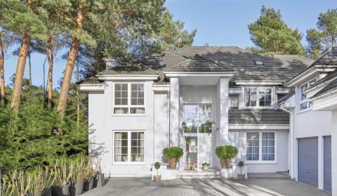 biały dom klasyczny