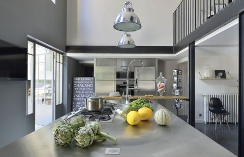 nowoczesna kuchnia lampy jak reflektory