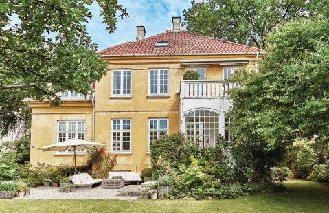 Z inspiracji naturą powstał niezwykły dom w stylu skandynawskim angielsko-duńskiej artystki.